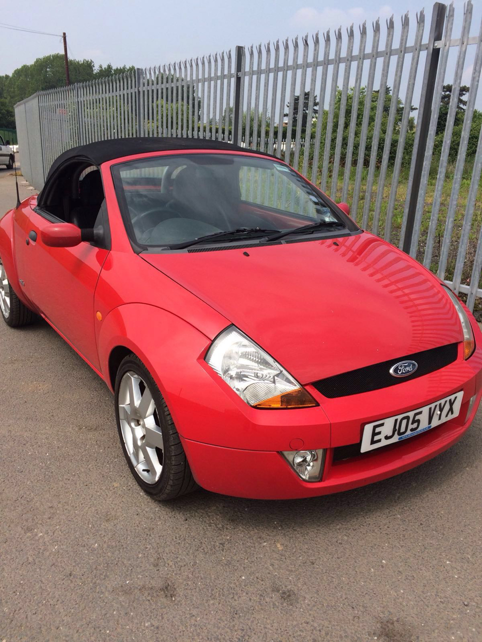 2005 05 ford ka streetka convertible black leather sports seats alloy wheels air con electric. Black Bedroom Furniture Sets. Home Design Ideas