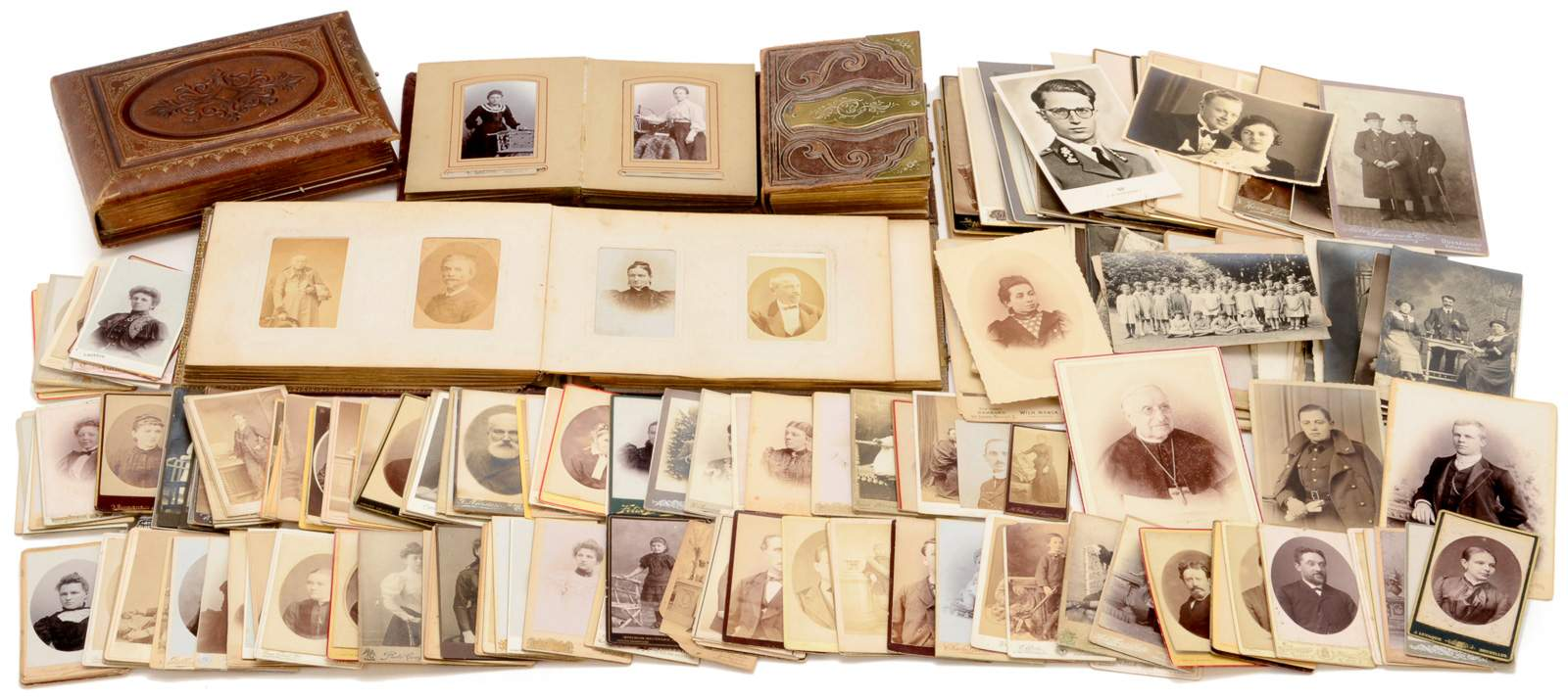 4 Photographic Albums And Cartes De Visite 4 Small Photographic