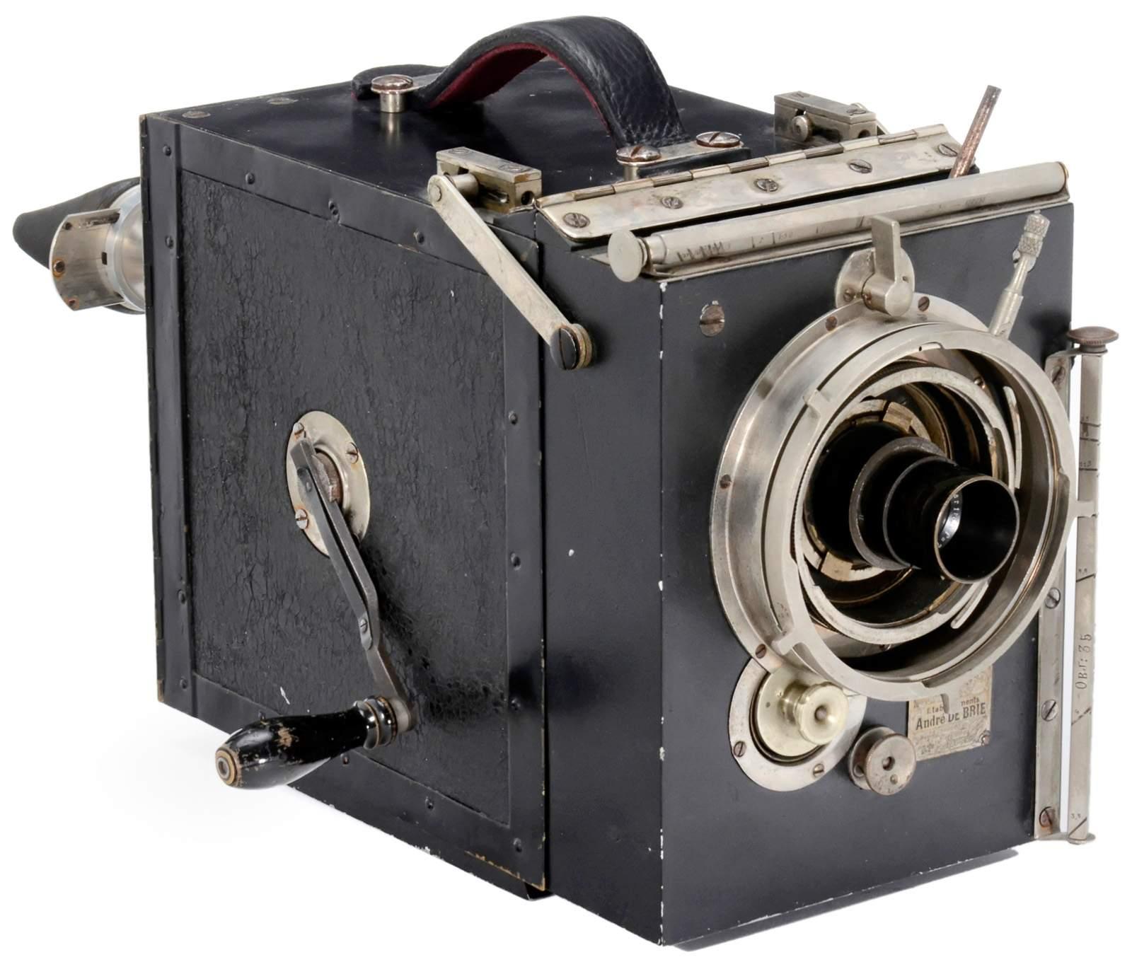 """Lot 623 - Debrie """"Le Parvo"""" K, c. 1922 Joseph Debrie, Paris. 35 mm movie camera for 120 m film, 2 cassettes"""
