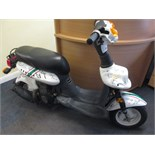 Special Edition Sundiro 50cc Moped, Signed by the Leicester Tiger's Rugby Team. This Moped has