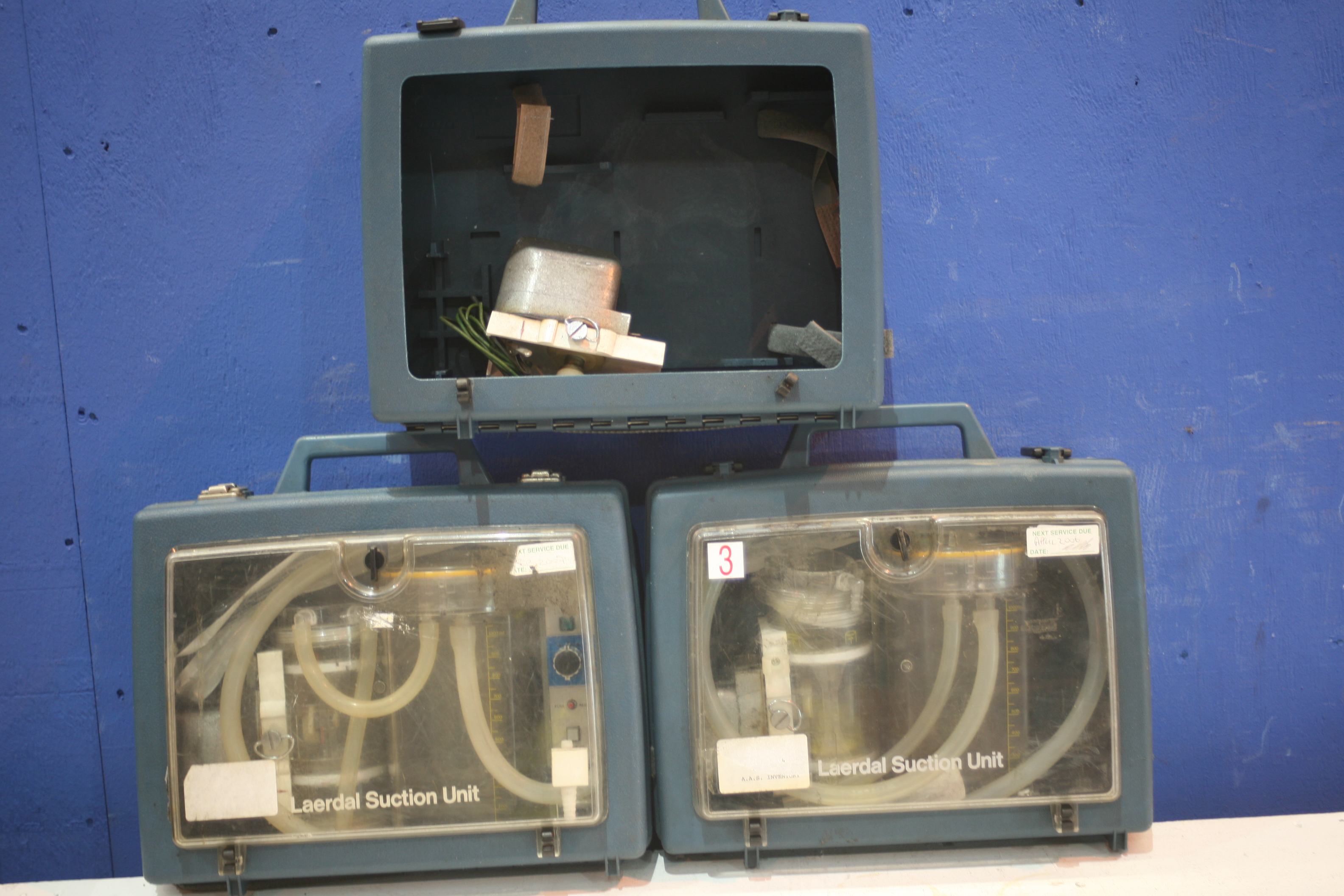 Lot 214 - 3x Laerdal Suction Unit (1x Damage)