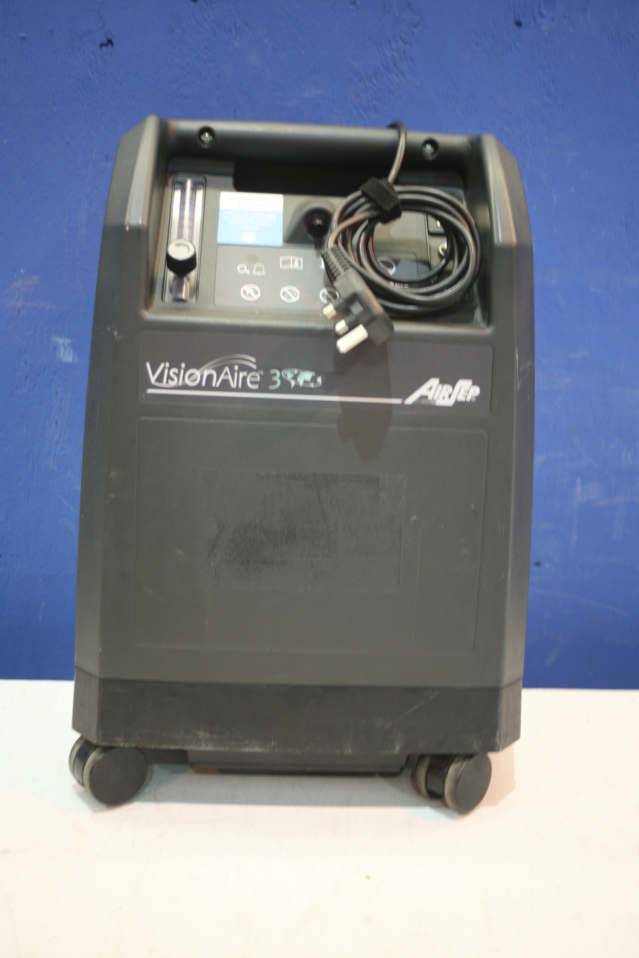 Lot 187 - Airsep Vision Aire 3 Oxygen Concentrator *Powers Up*
