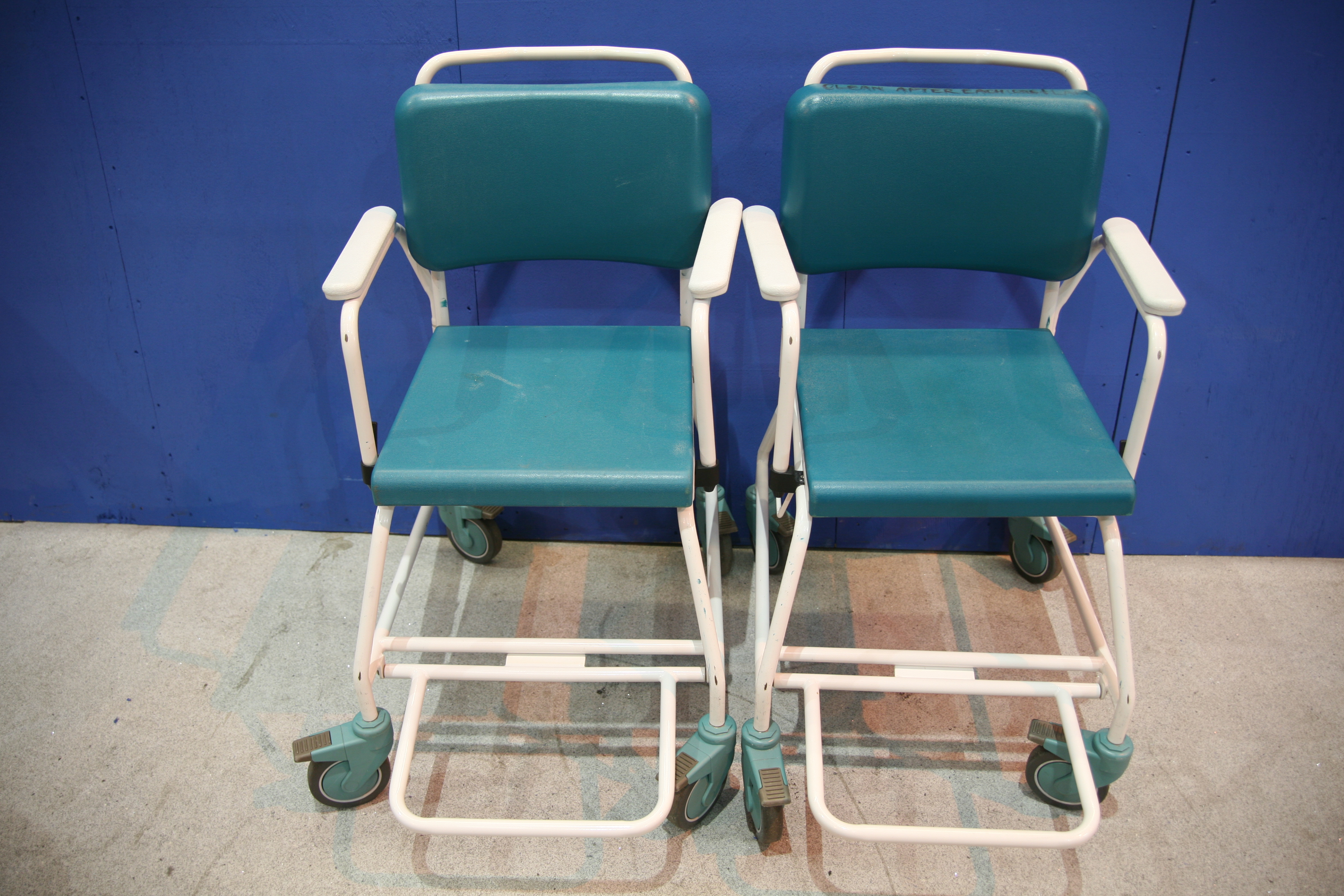 Lot 41 - 2x Vernacare Commode Chairs