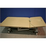 Lot 124 - Hydraulic Bariatric Patient Couch *Tears In Upholstery*