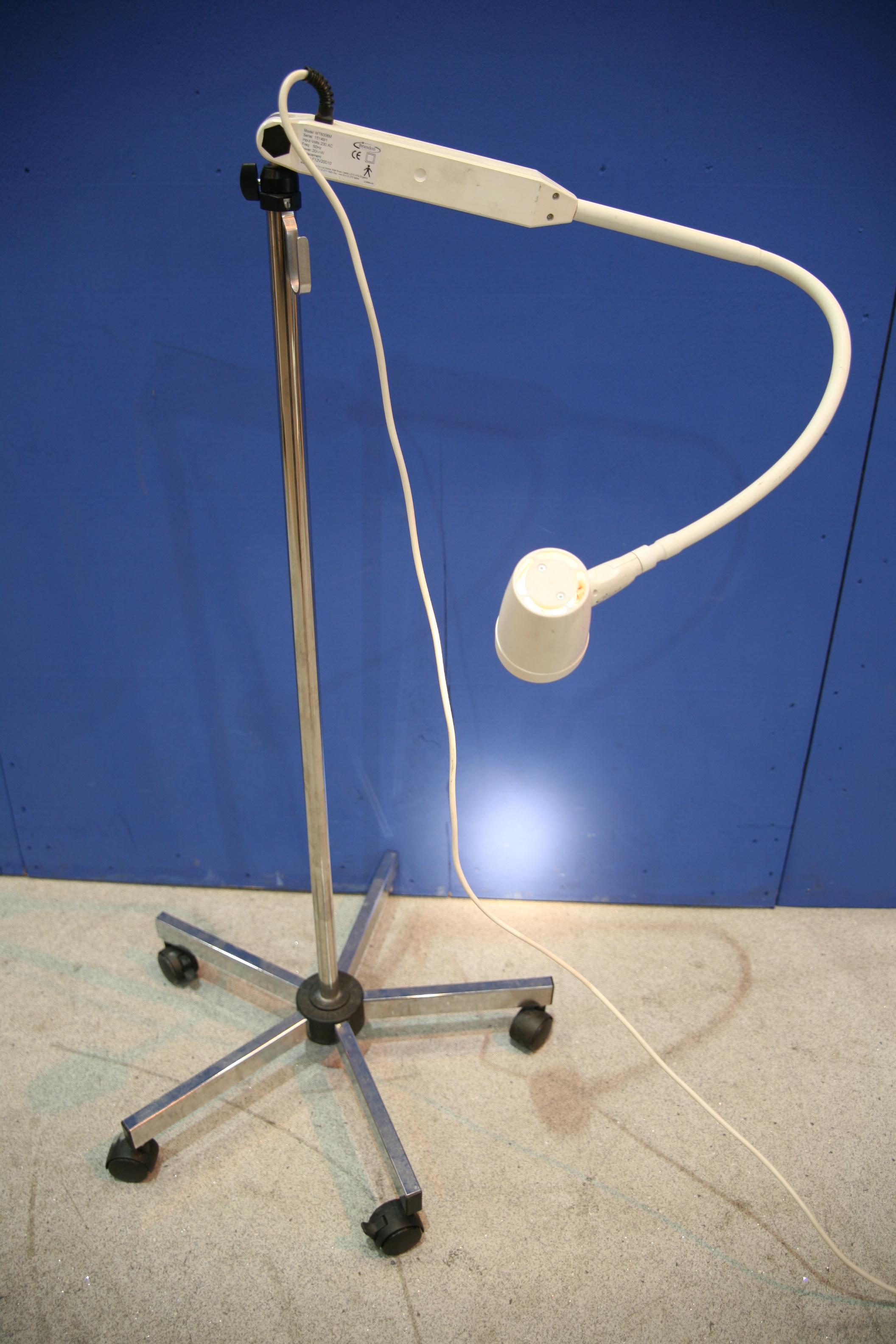 Lot 33 - Brandon MT6008M Light *Powers Up*