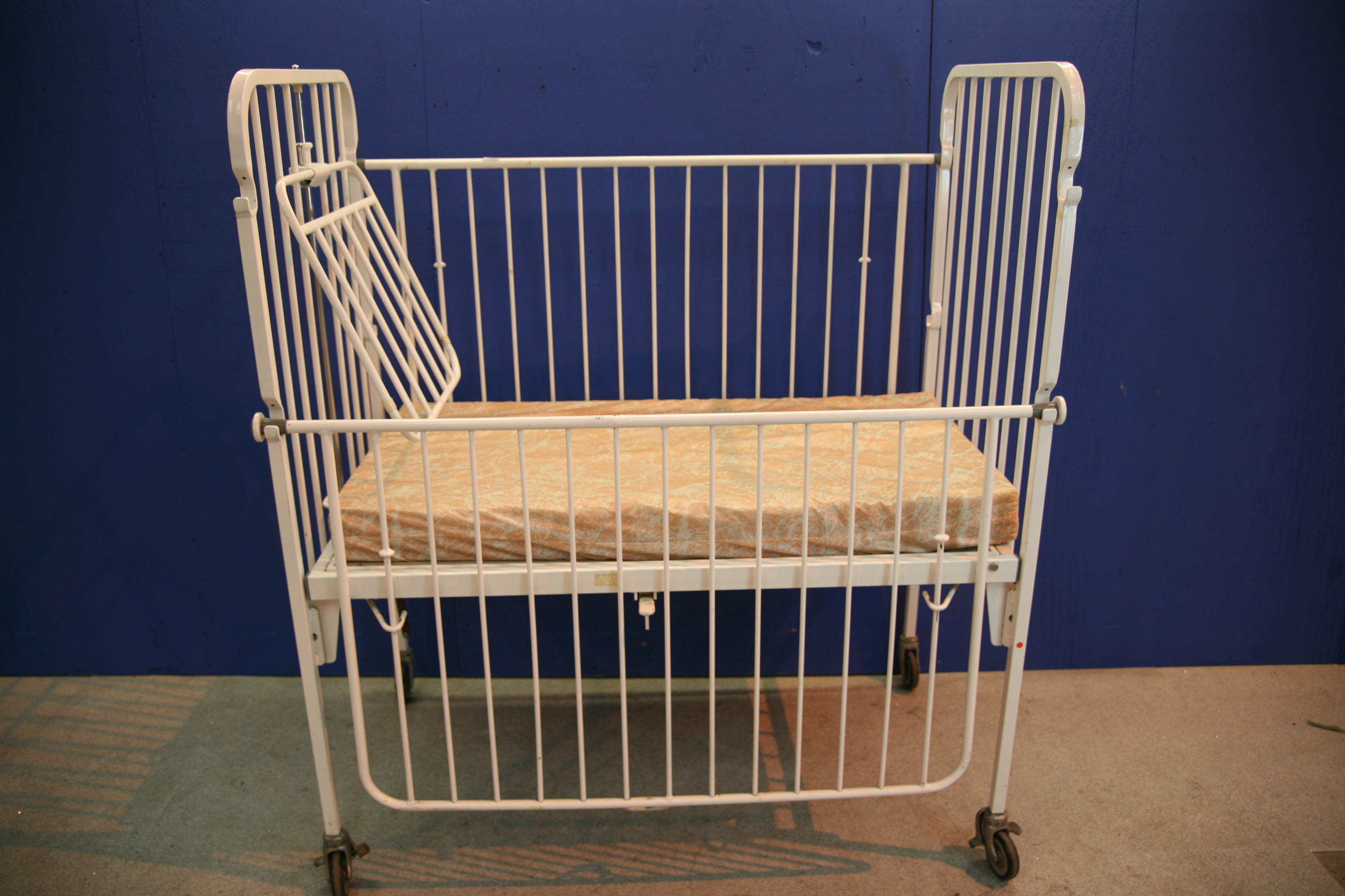 Lot 27 - Baby Cot with 1x Mattress