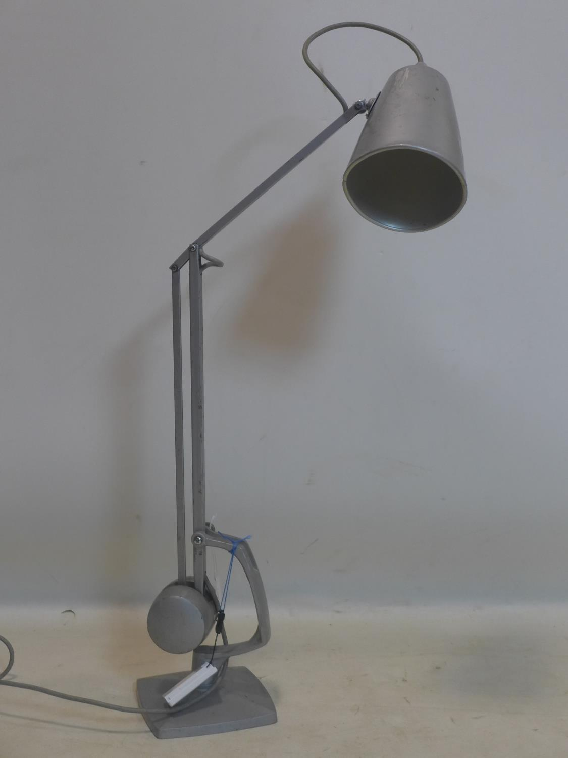 A Hadrill & Horstman style vintage counter weight anglepoise lamp