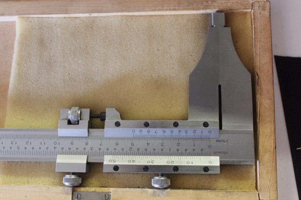 Lot 31 - 24 inch Vernier caliper
