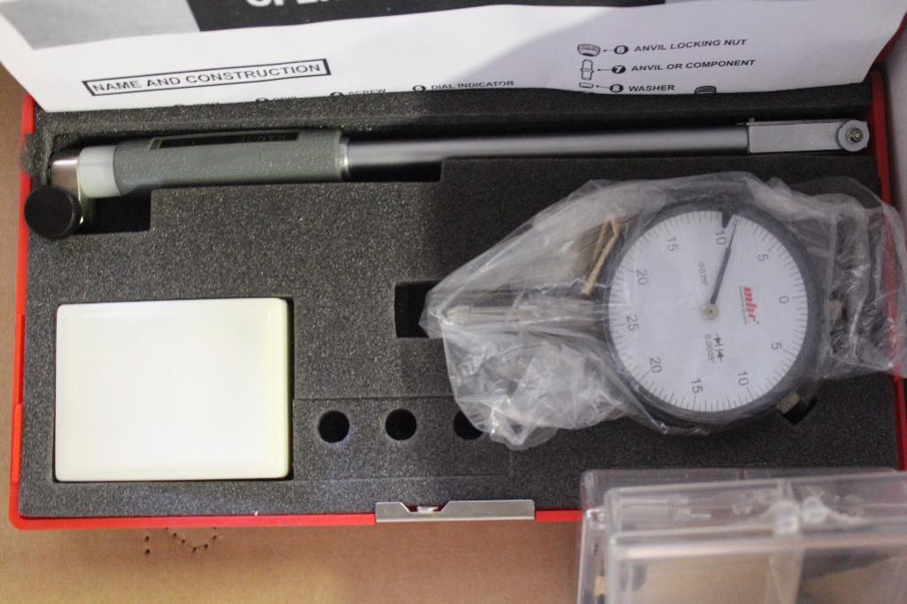"""Lot 29 - Dial bore gauge .7""""- 1.5"""" With accessories and micrometer"""