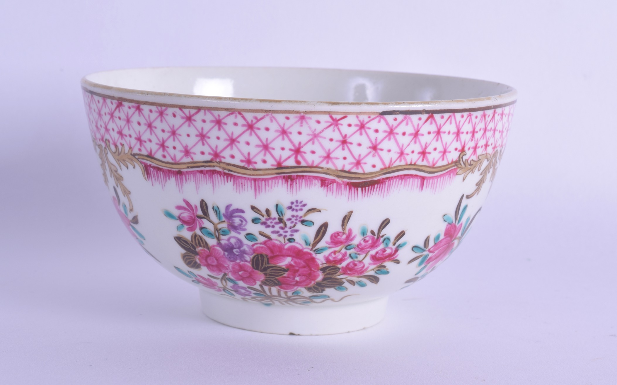 Lot 127 - 18th c. Worcester rare Chinese export style bowl painted with scattered flower sprays one bunch tied