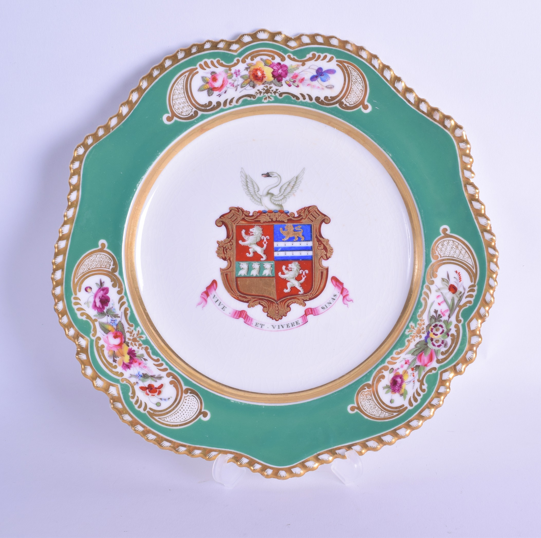 Lot 129 - Early 19th c. Chamberlains Worcester armorial plate painted with the Arms of Attwood, with a swan