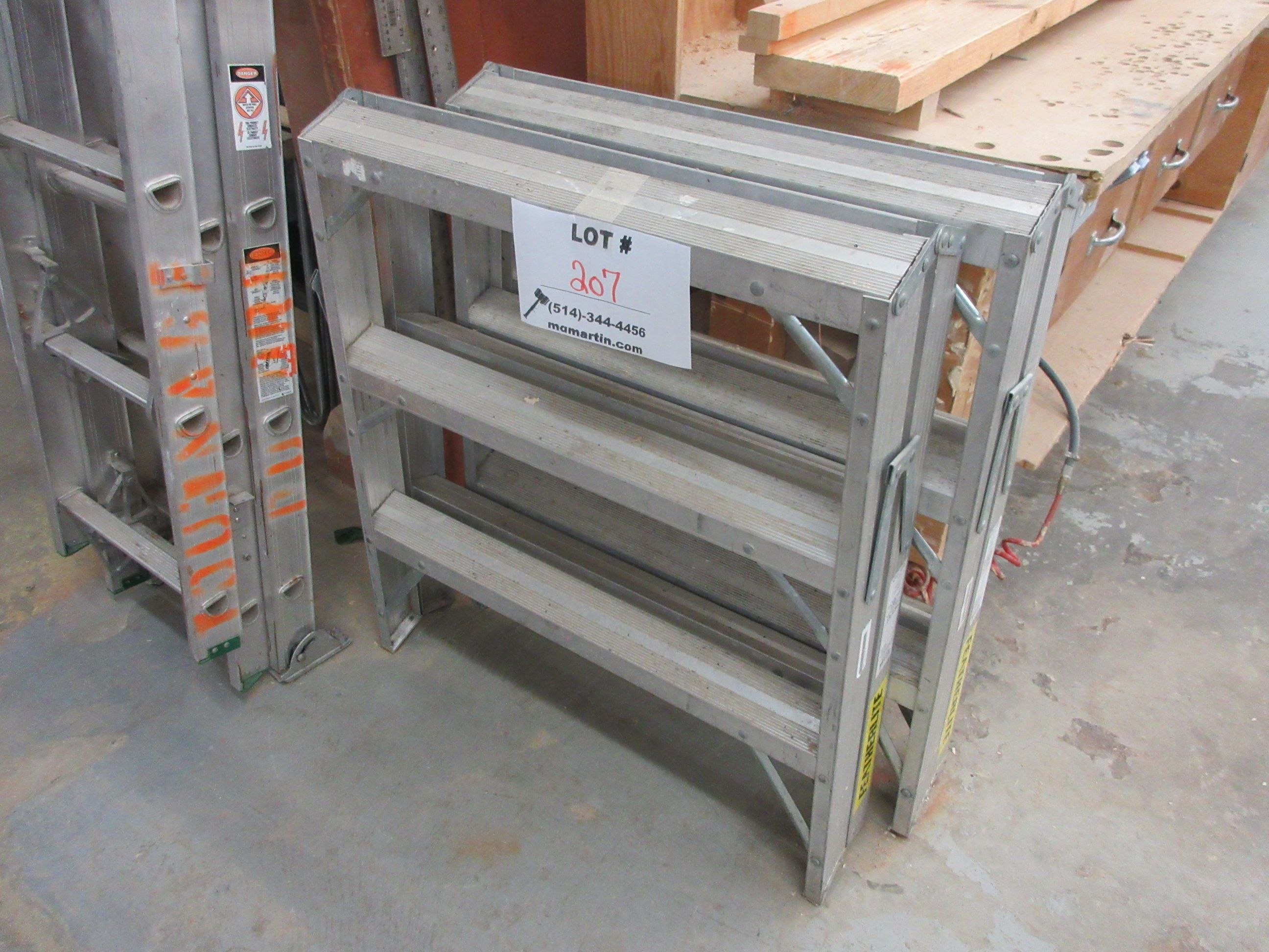 Heavy dury step ladders (2)