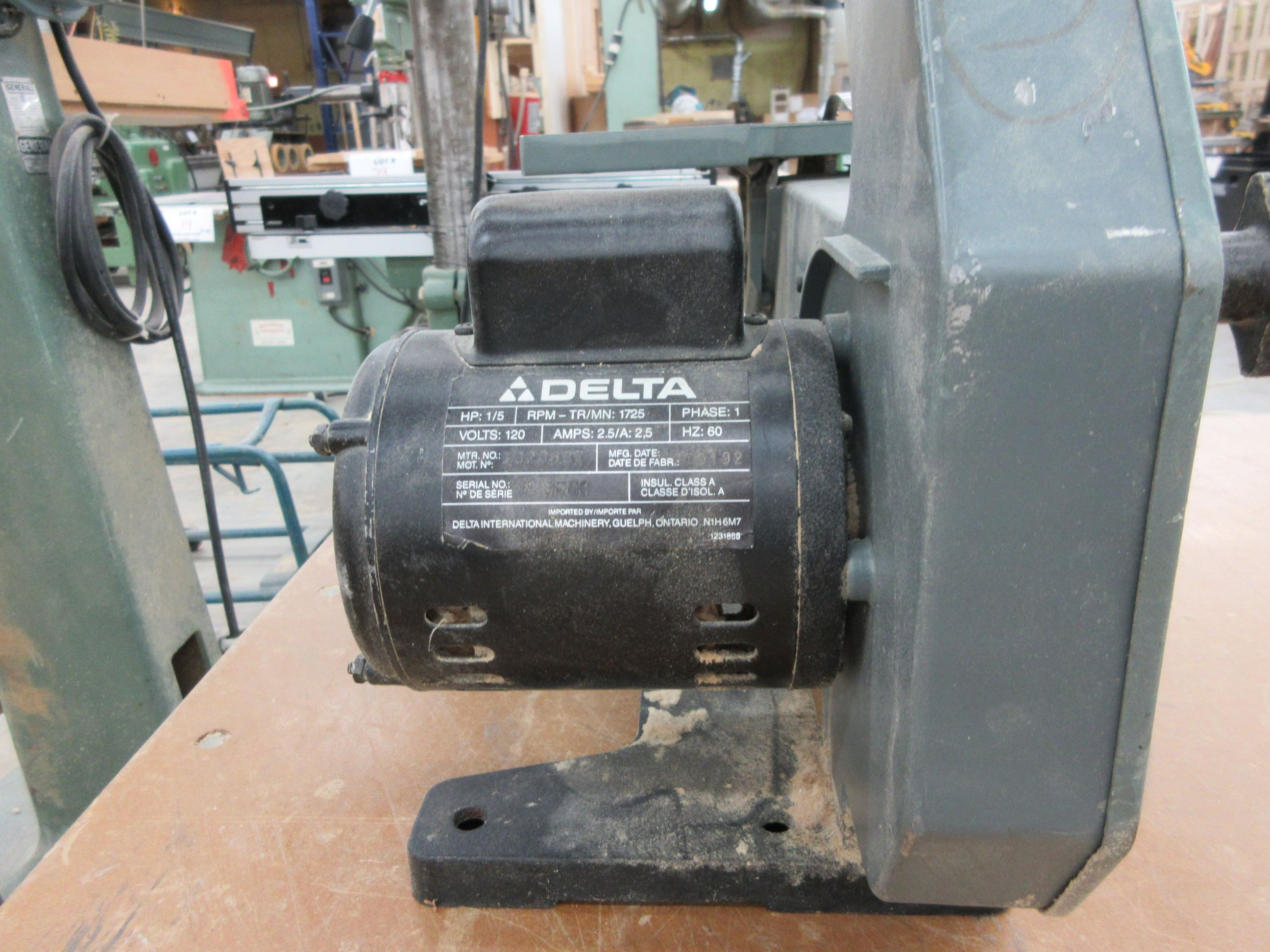 """DELTA 10"""" band saw - Image 3 of 3"""