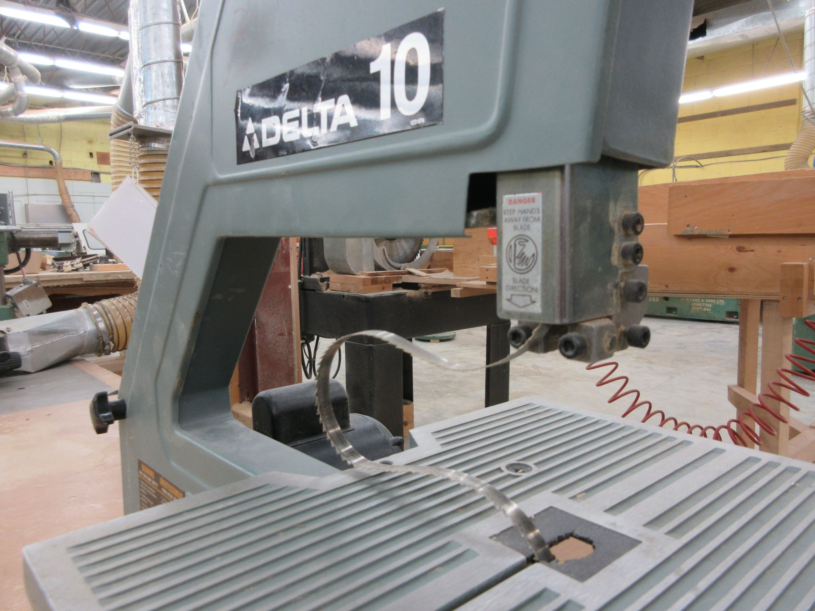 """DELTA 10"""" band saw - Image 2 of 3"""