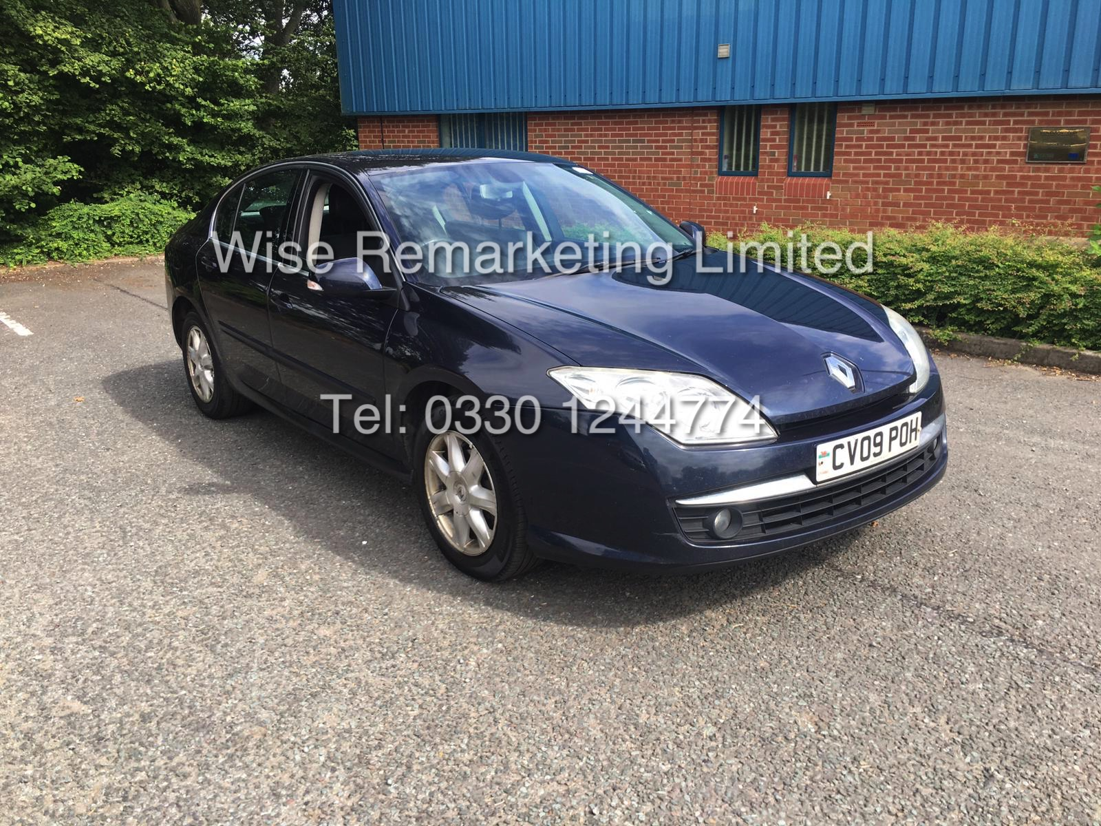 Lot 24 - RENAULT LAGUNA DYNAMIQUE 1.5 DCI 2009 - FSH - 1 OWNER FROM NEW
