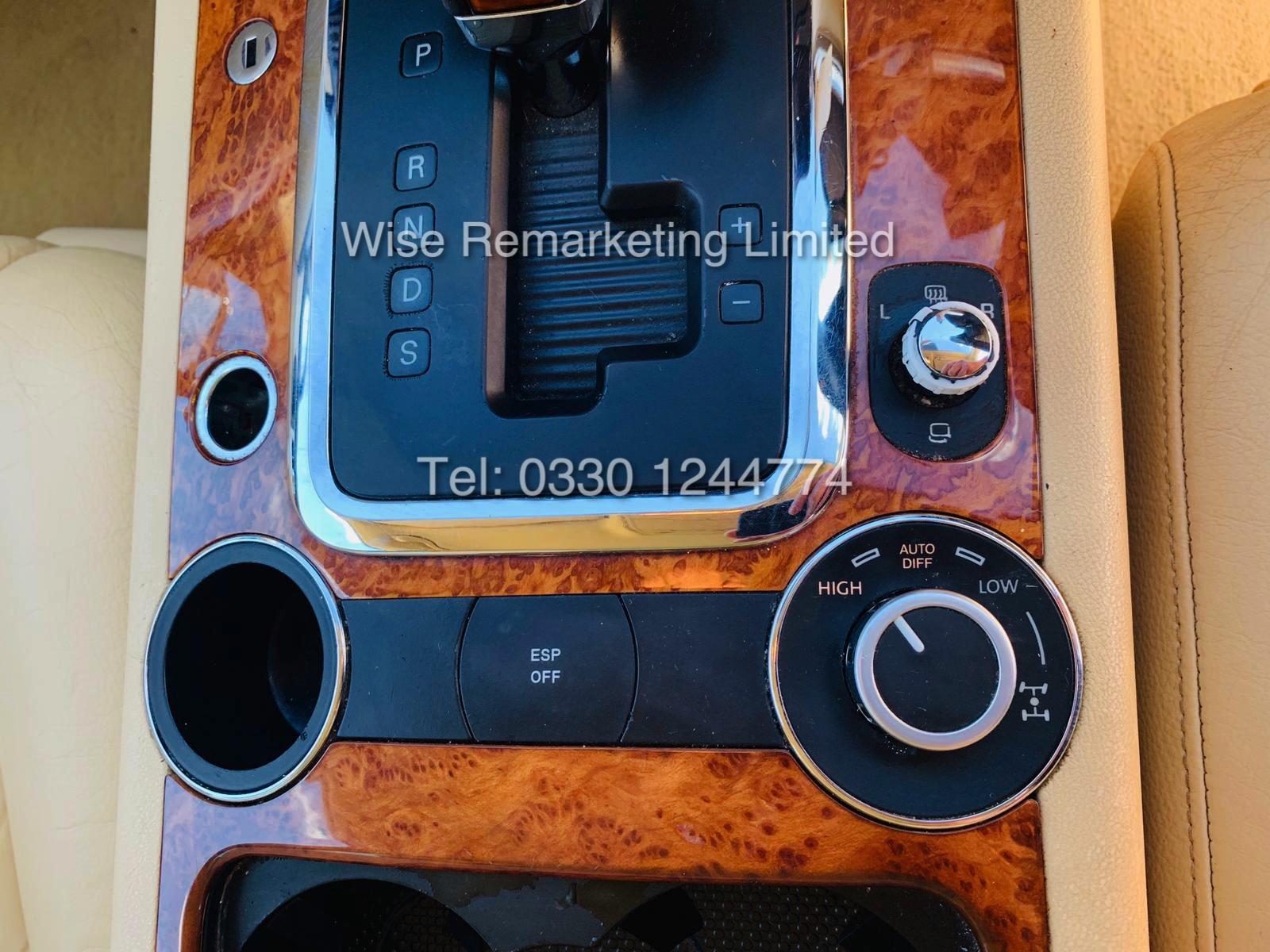 VOLKSWAGEN TOUAREG 2.5 TDI SPORT AUTO 2004 REG 4x4 BLACK - CREAM LEATHER - Image 12 of 24