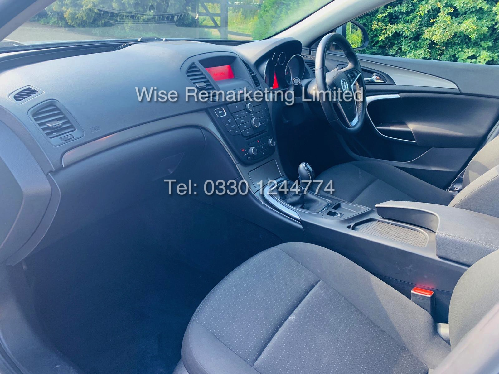 VAUXHALL INSIGNIA 2.0 CDTI ECOFLEX ES 2013 *FSH* 1 OWNER FROM NEW - Image 29 of 30