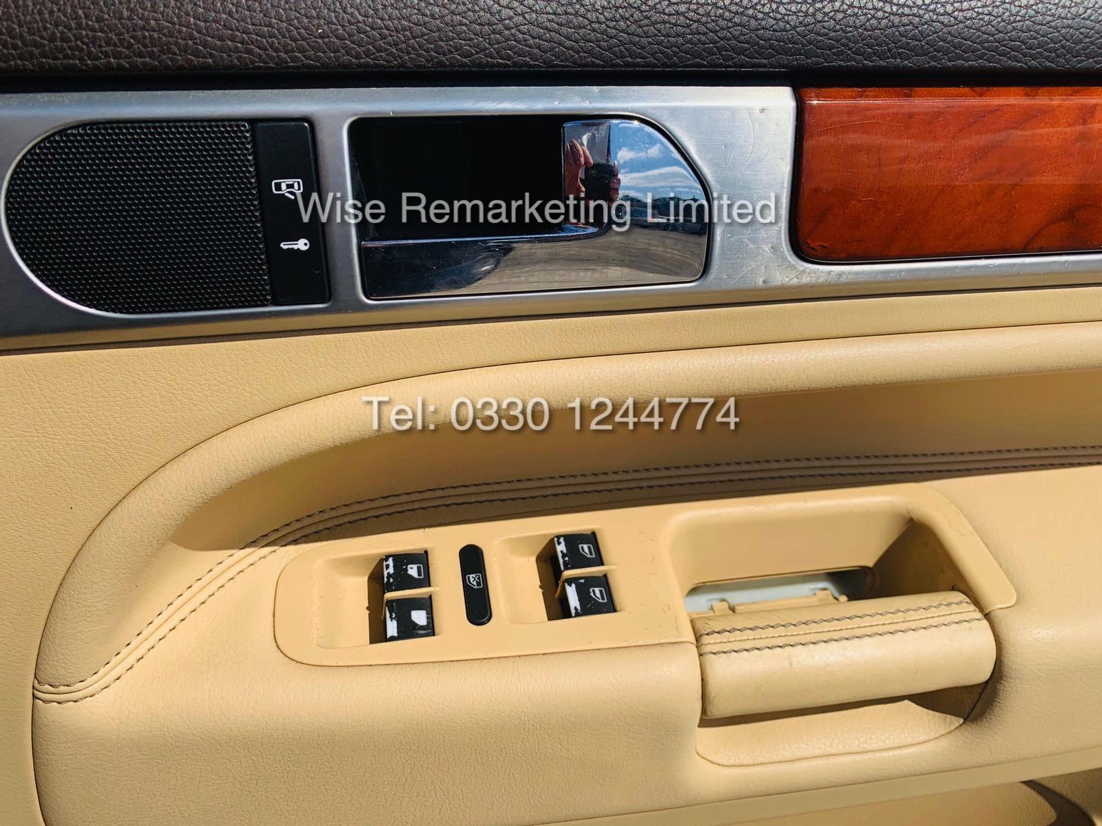 VOLKSWAGEN TOUAREG 2.5 TDI SPORT AUTO 2004 REG 4x4 BLACK - CREAM LEATHER - Image 10 of 24