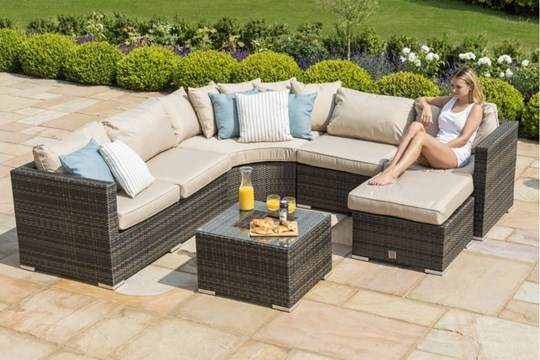 Lot 34 - Rattan Barcelona Outdoor Corner Group/Sofa Set With Ice Bucket Feature *BRAND NEW*