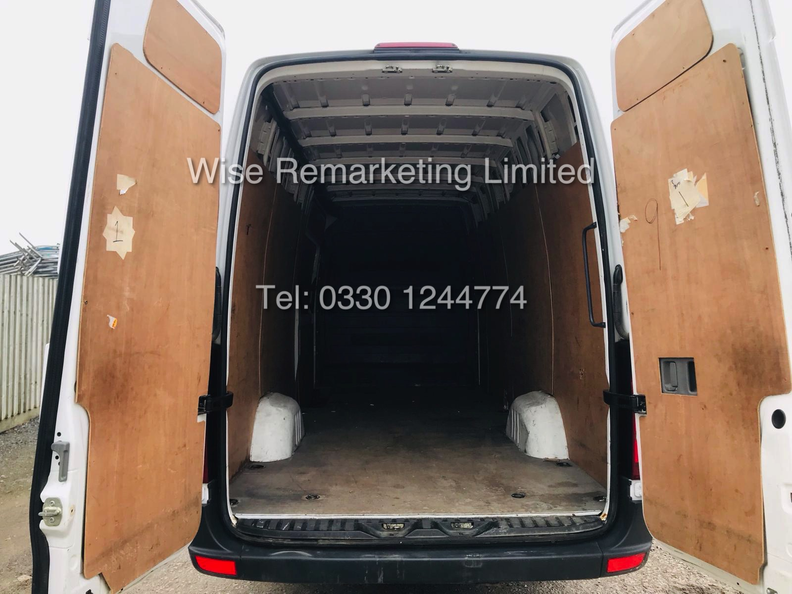 VOLKSWAGEN CRAFTER CR35 2.0 TDI LONG WHEEL BASE 2016 MODEL - Image 10 of 14