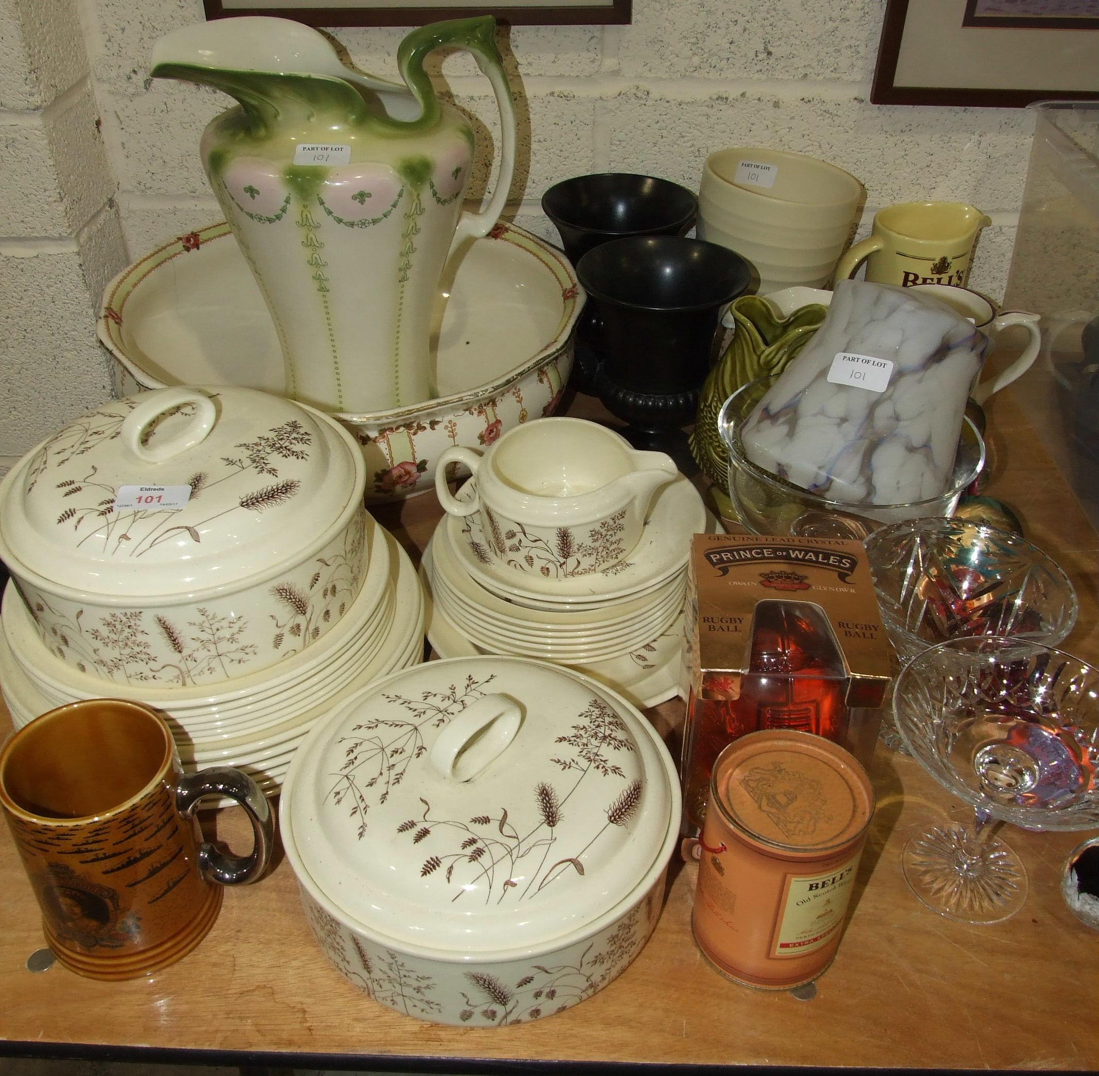 "Lot 101 - Twenty-four pieces of J & G Meakin ""Windswept"" dinnerware, other ceramics, glassware, metalware,"