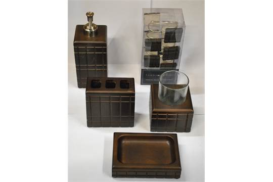 Terrific Brand New Tommy Hilfiger Bathroom Set Includes 12 Tommy Download Free Architecture Designs Scobabritishbridgeorg