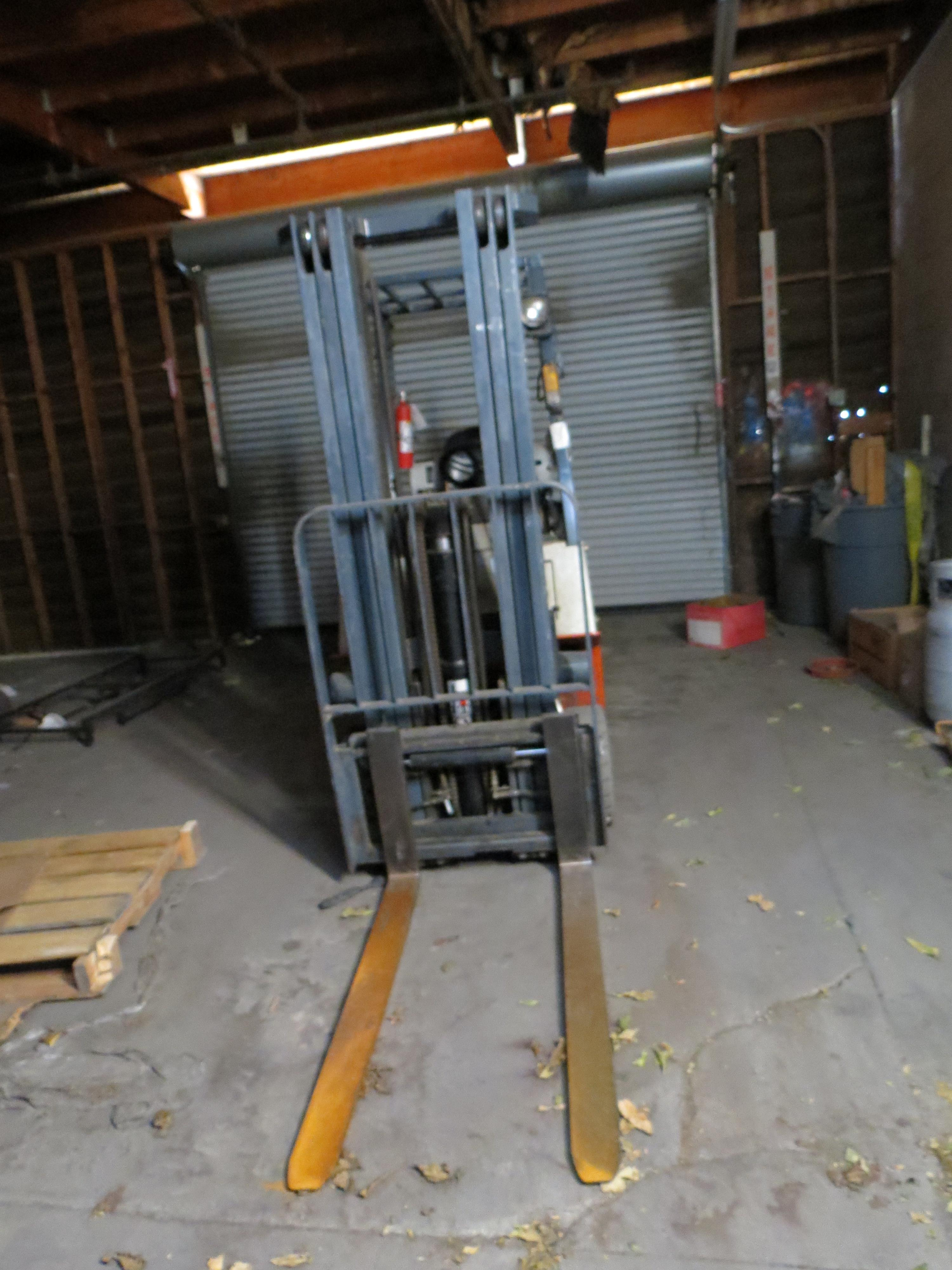 Nissan Model CPJ01A15PV 3-Stage 2500K Capacity LPG Forklift with Side Shift - Image 5 of 6