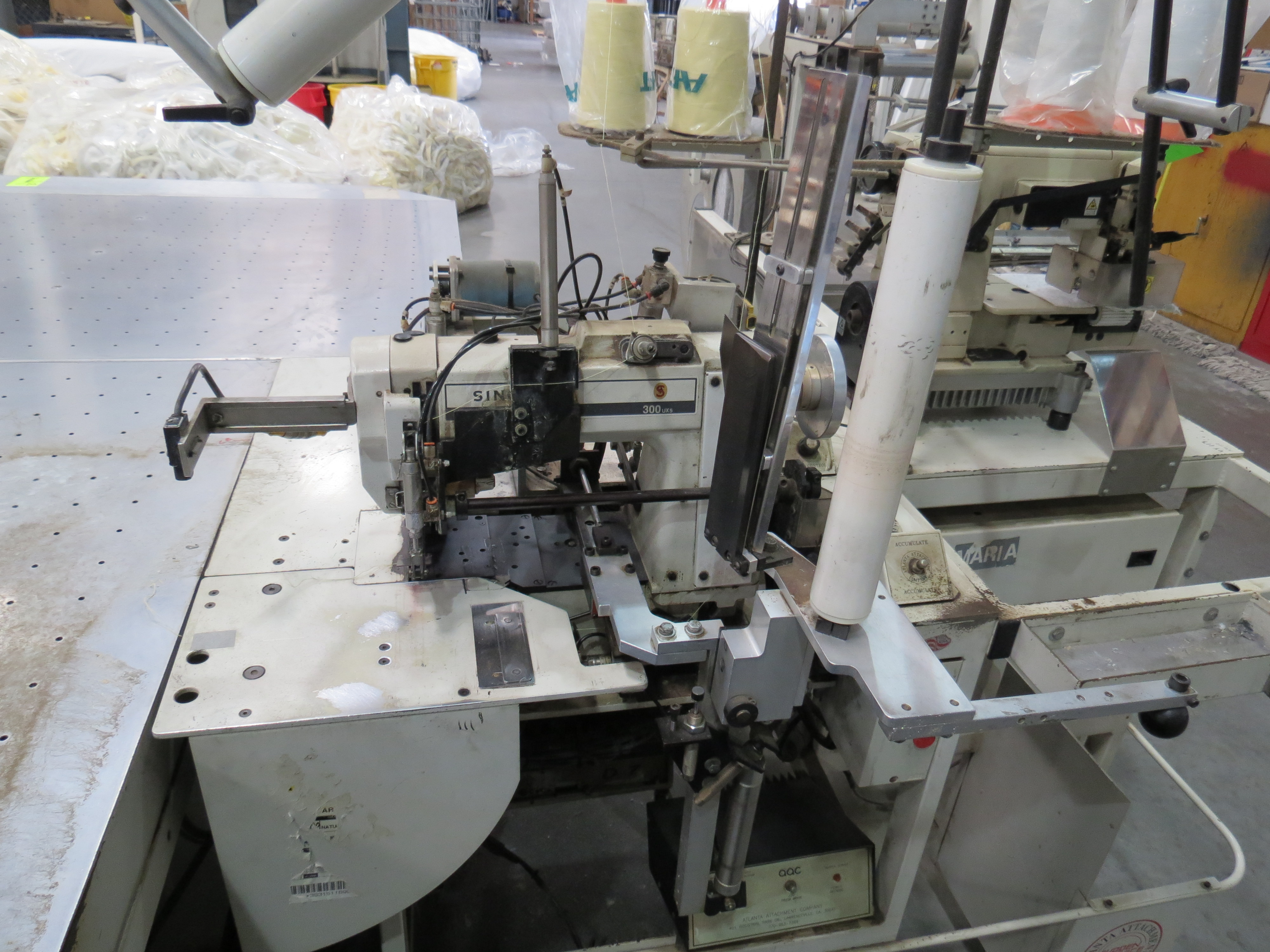 Atlanta Attachment Company VM1804P-NG-002 Gusset Sewing Machine with Flotation Table 8' x 13' - Image 4 of 8