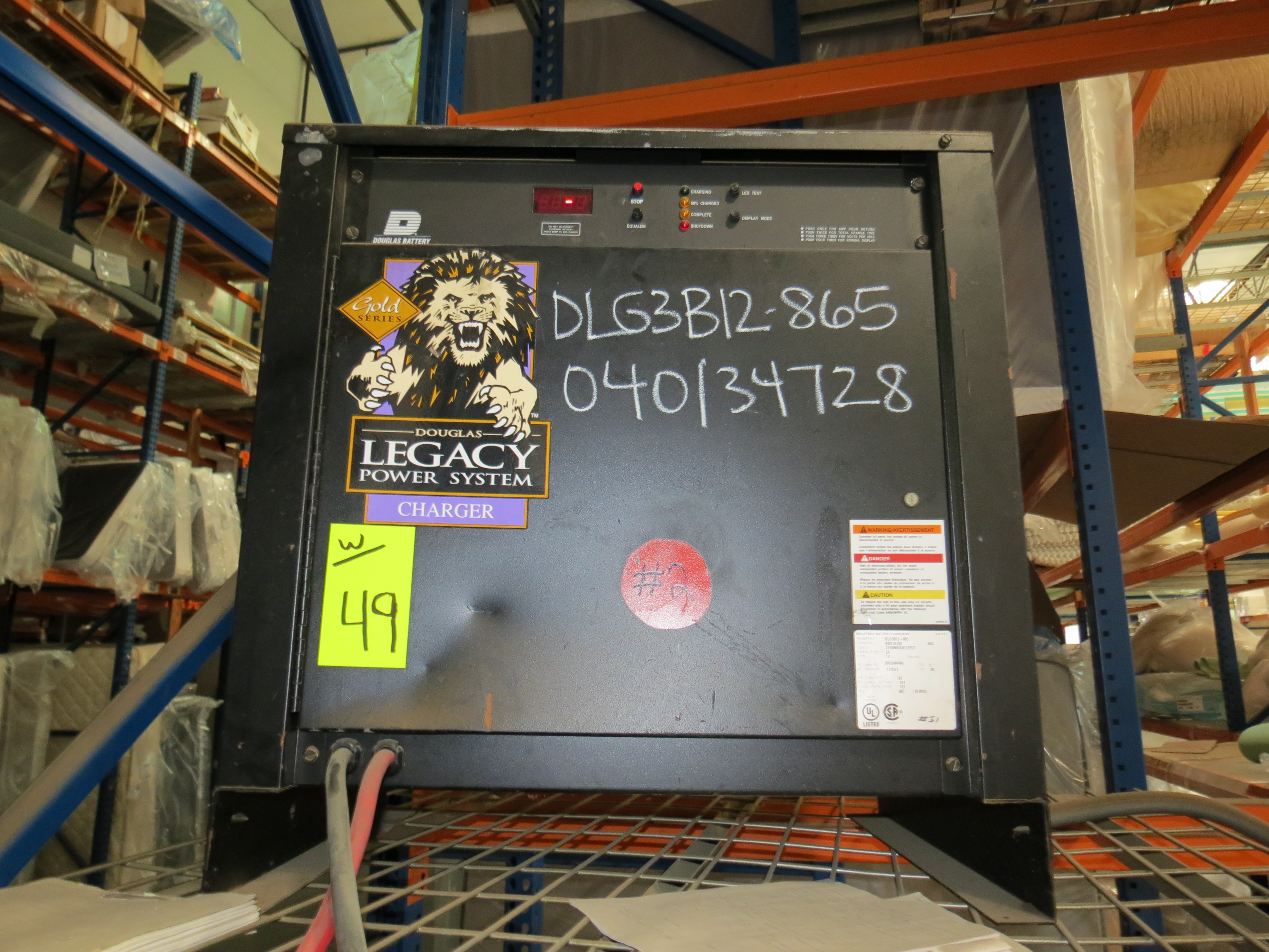 Crown SP 3-Stage Order Picker Electric Forklift 6860 Capacity ( Does Not Run, Needs New Battery) - Image 6 of 6