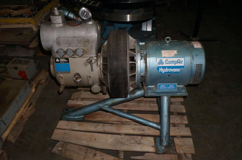 Lot 70 - Hydrovane 15 HP Air Compressor