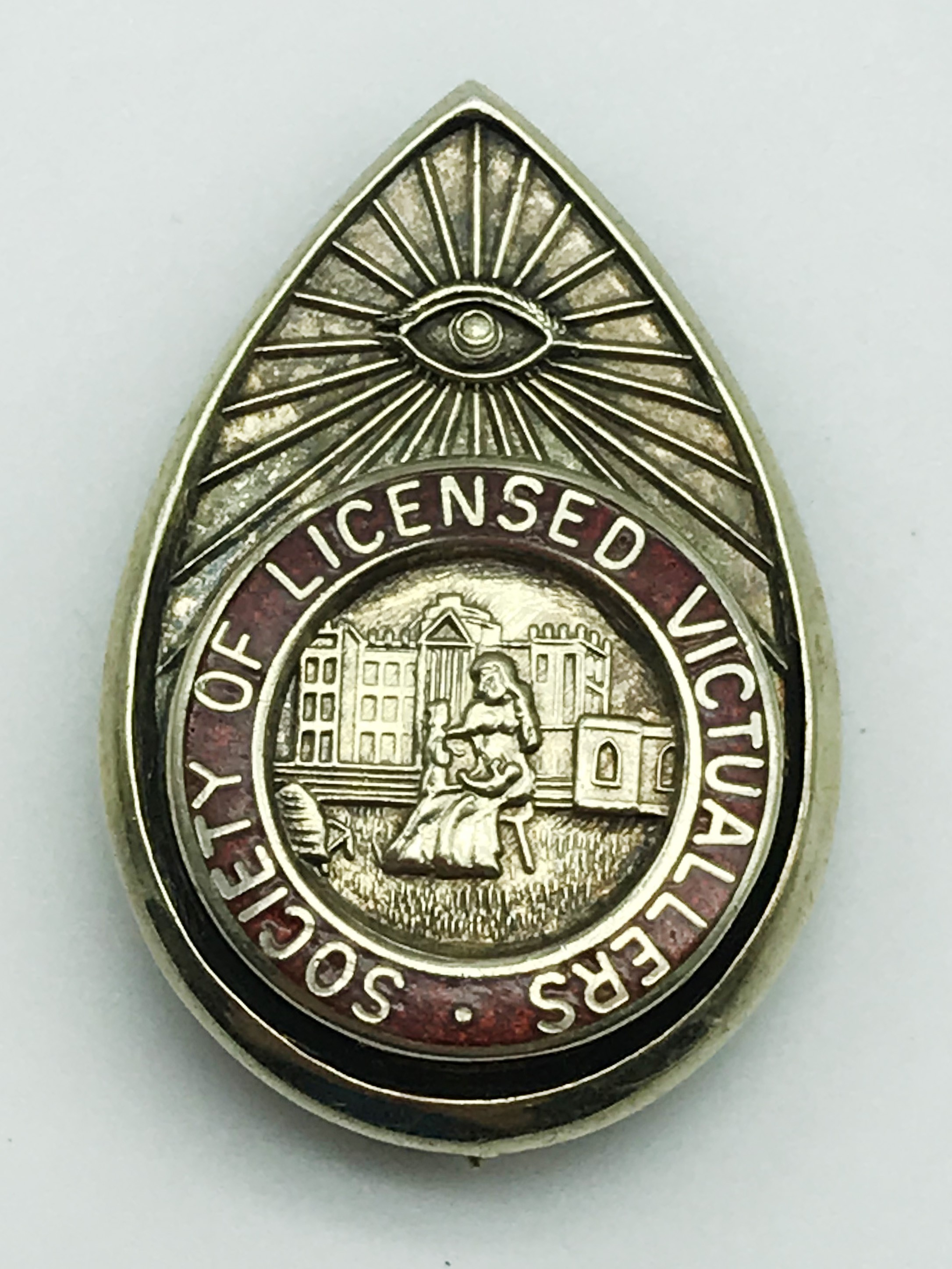Lot 16 - UNUSUAL SMALL ENAMELLED BROOCH OF SOCIETY OF LICENSED VICTUALLERS