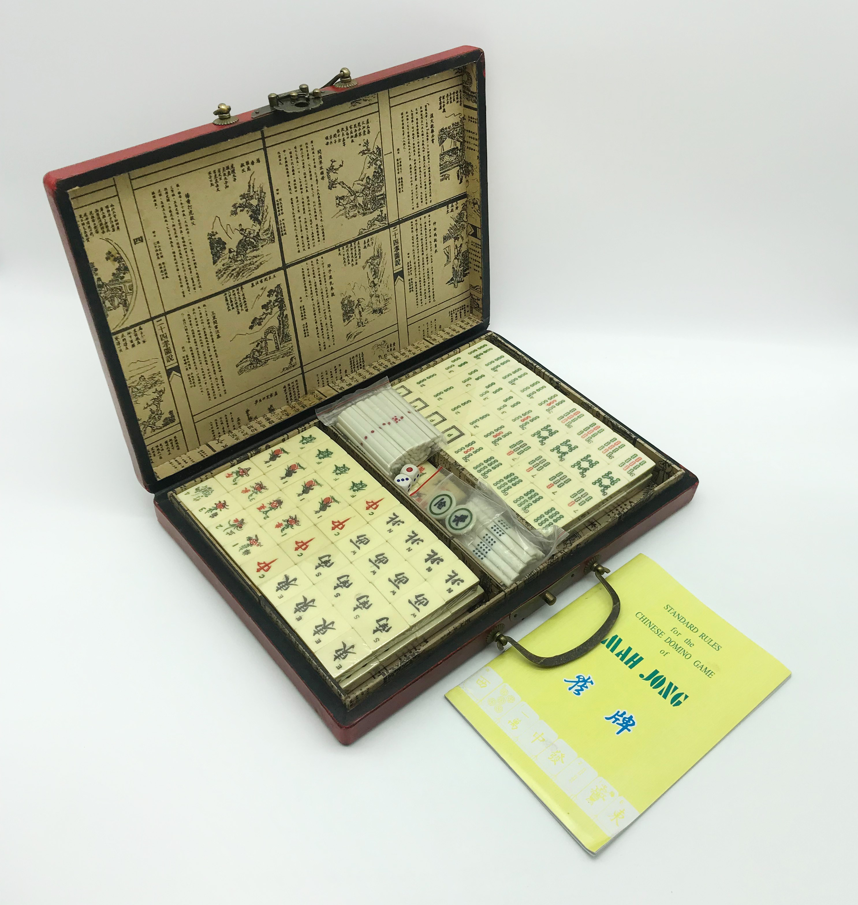 Lot 100 - VINTAGE MAH JONGG GAME CASED
