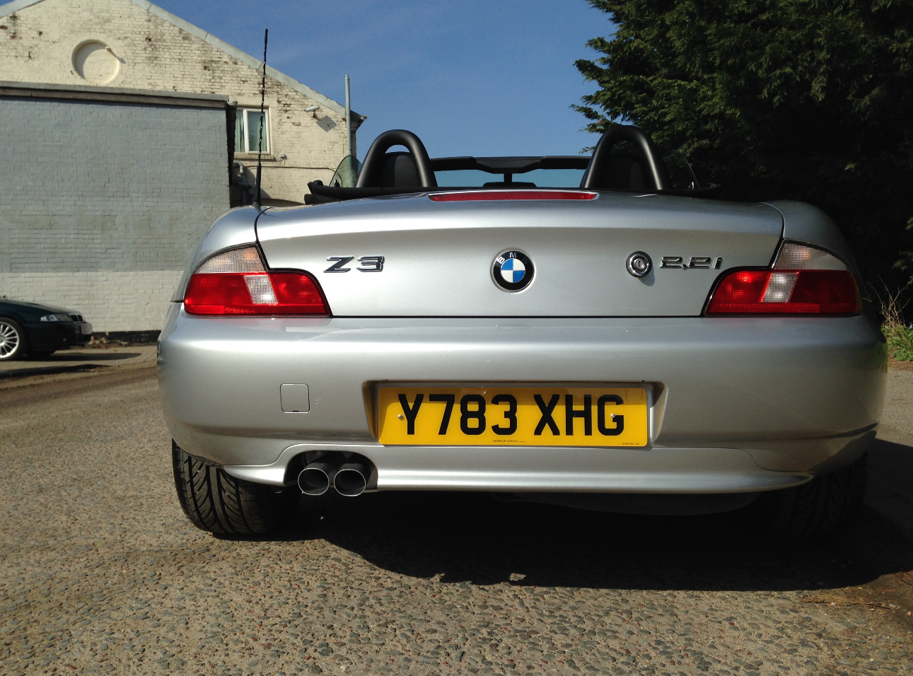 2001 Bmw Z3 2 2 This Bmw Z3 Is The Desirable 2 2 6 Cylinder Engined Model Providing Spiri