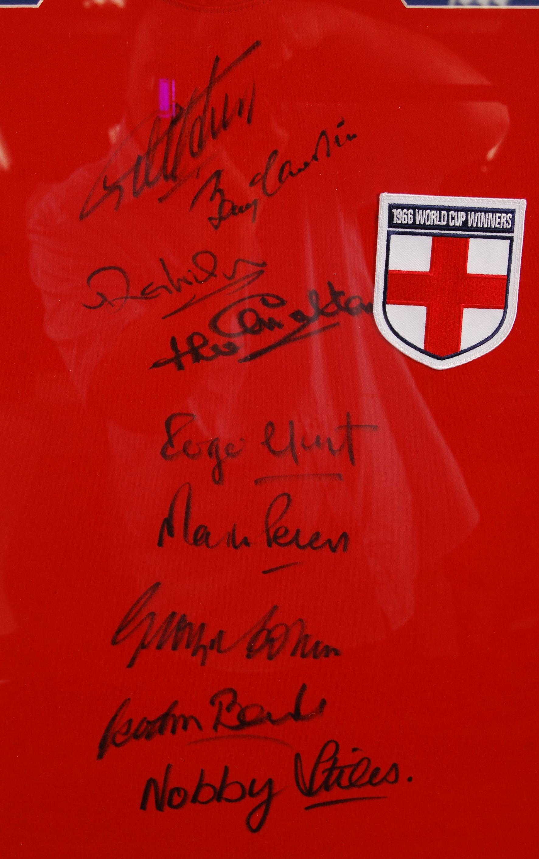 WORLD CUP 1966 ENGLAND SQUAD AUTOGRAPHED REPLICA S - Image 2 of 4
