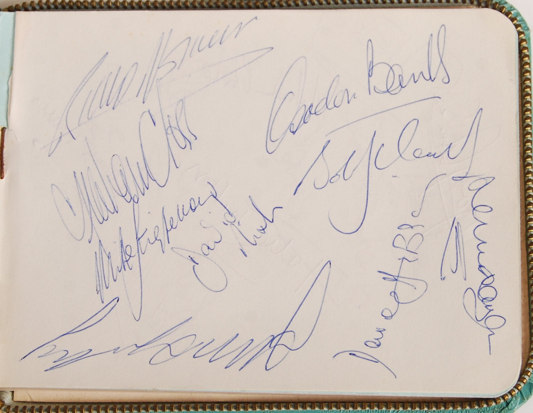 1960'S AUTOGRAPH BOOK - LEICESTER CITY & FOOTBALLE - Image 2 of 5