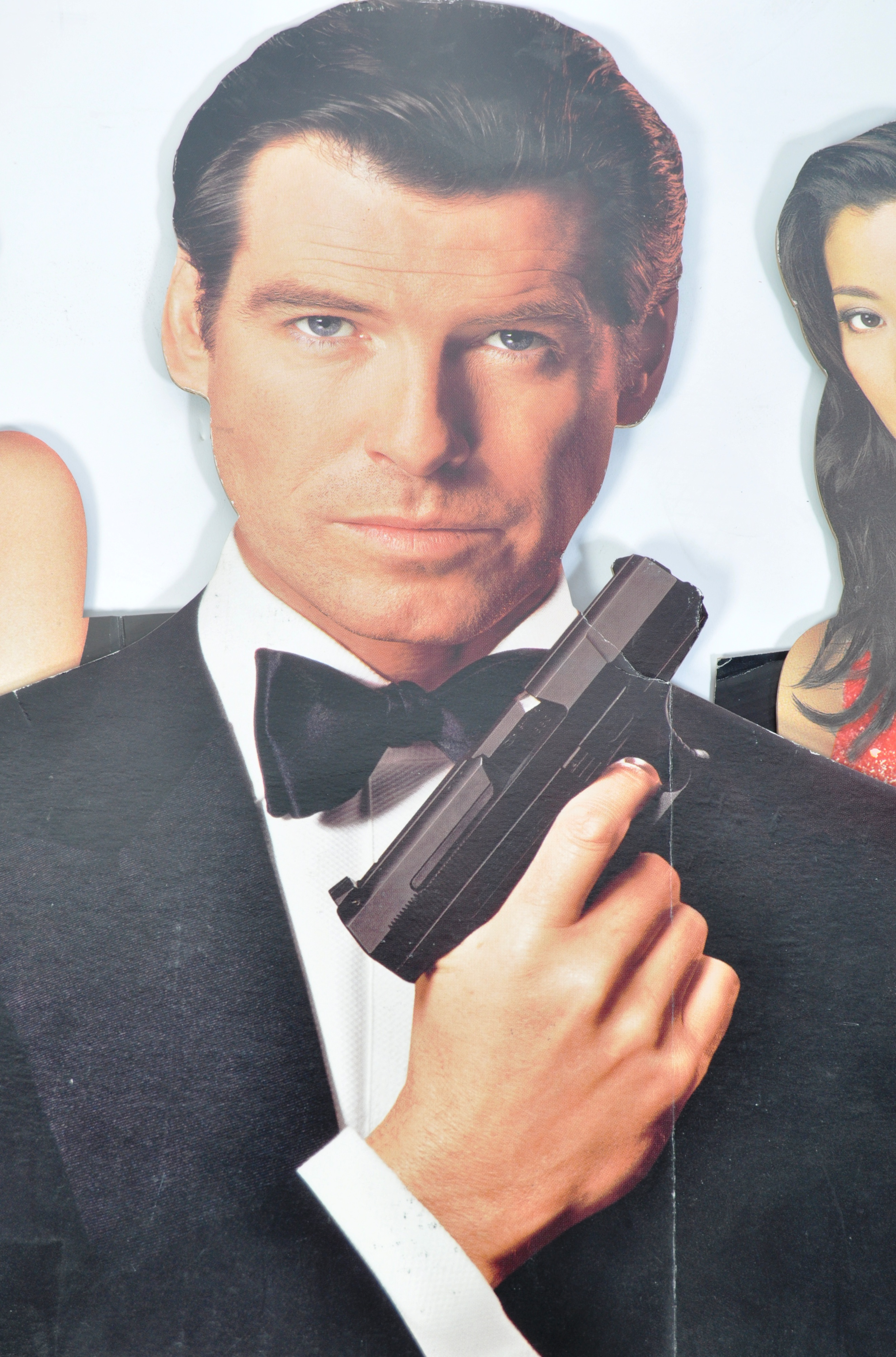 JAMES BOND TOMORROW NEVER DIES CARDBOARD CUT OUT P - Image 2 of 6