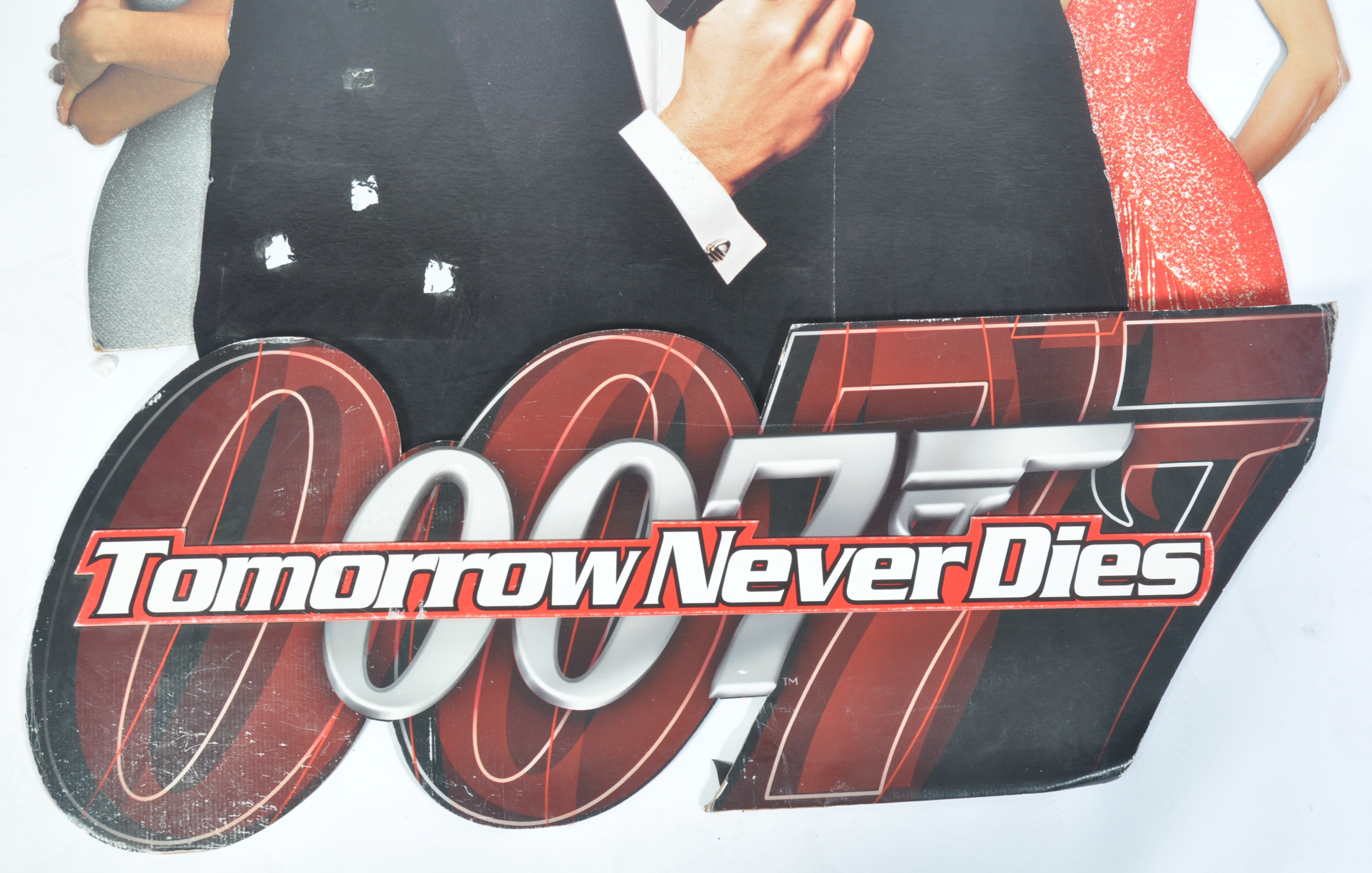 JAMES BOND TOMORROW NEVER DIES CARDBOARD CUT OUT P - Image 5 of 6