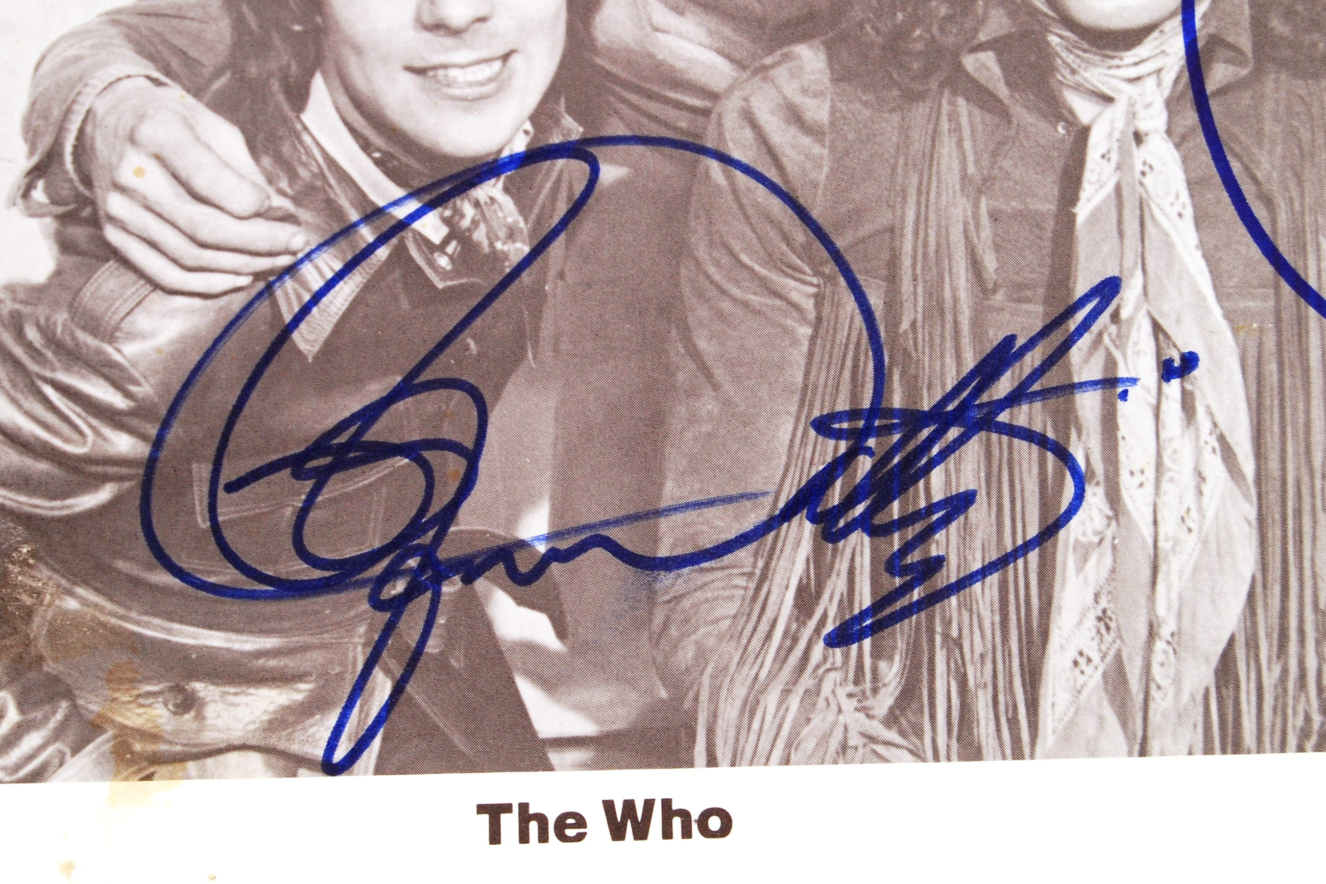 "RARE ' THE WHO ' VINTAGE SIGNED 8X10"" PROMOTIONAL - Image 3 of 4"