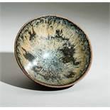 TIEFE TEMMOKU-SCHALEGlasierte Keramik. China, möglicherweise Song bis Yuan, vermutlich 12. bis 13.
