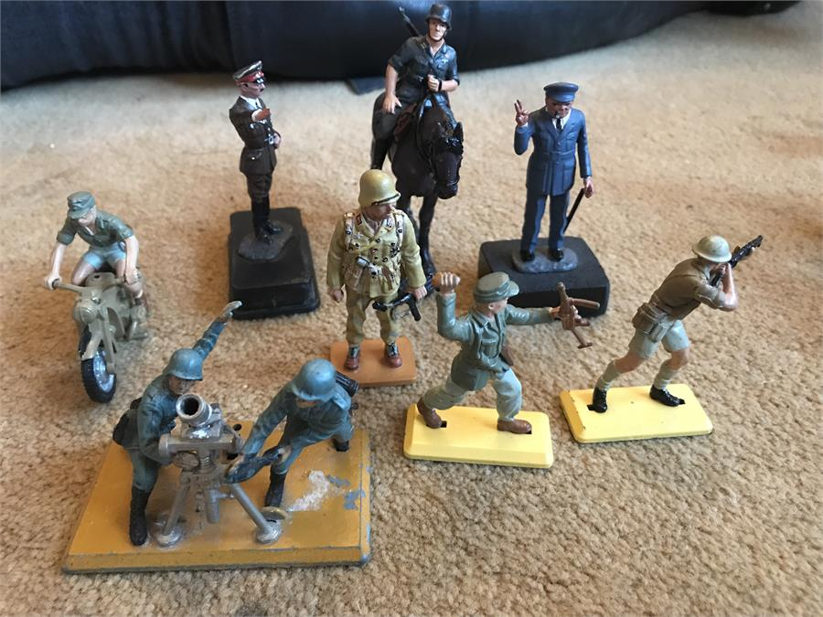 Lot 42 - Assorted Vintage Toy Soldiers