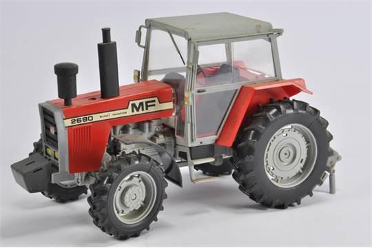 Bobcat Heller Plastic Built Kit of Massey Ferguson 2680