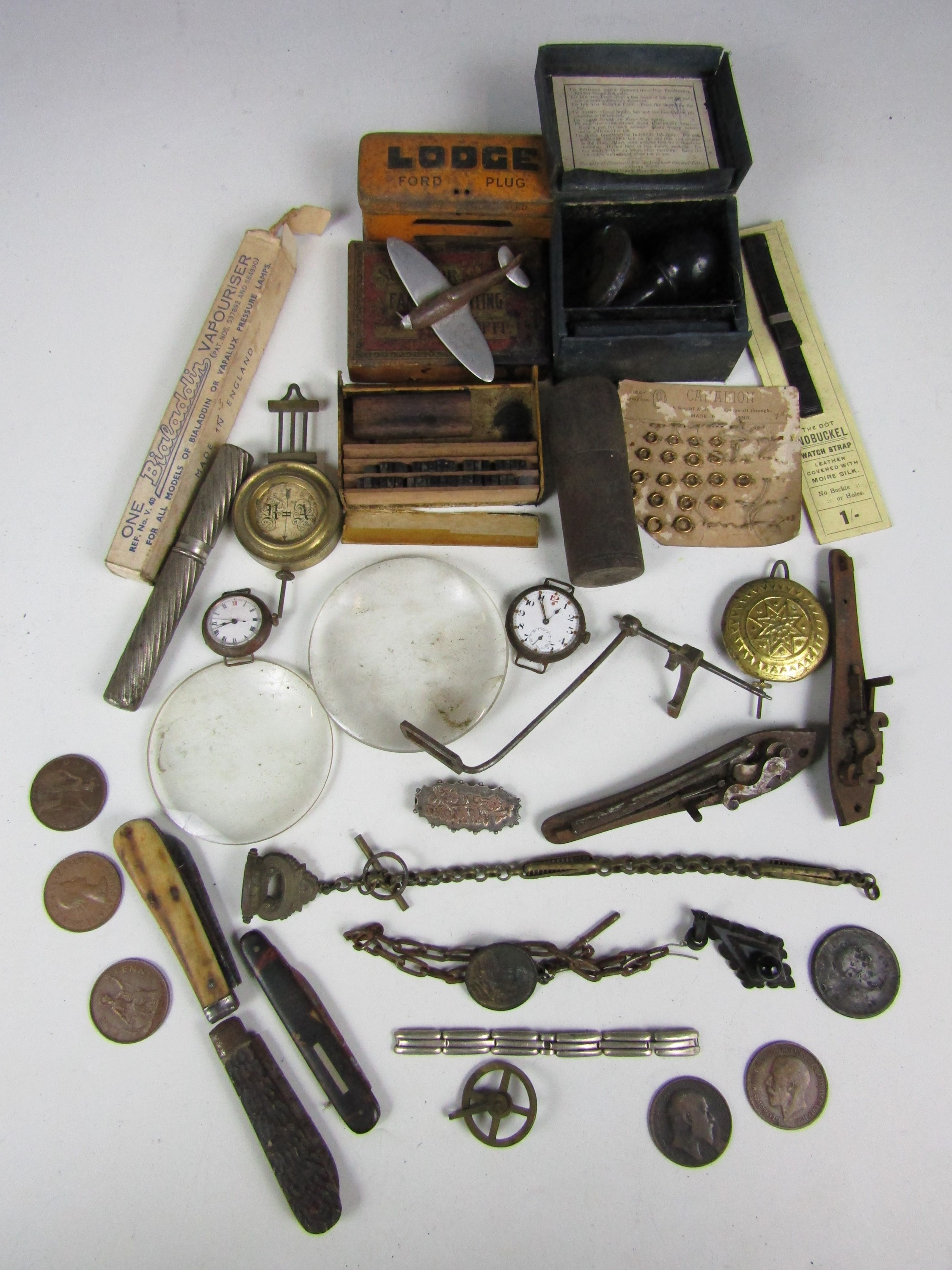 Lot 9 - Sundry collectors' items including watch parts, coins, two magnifying lenses and pen knives etc.
