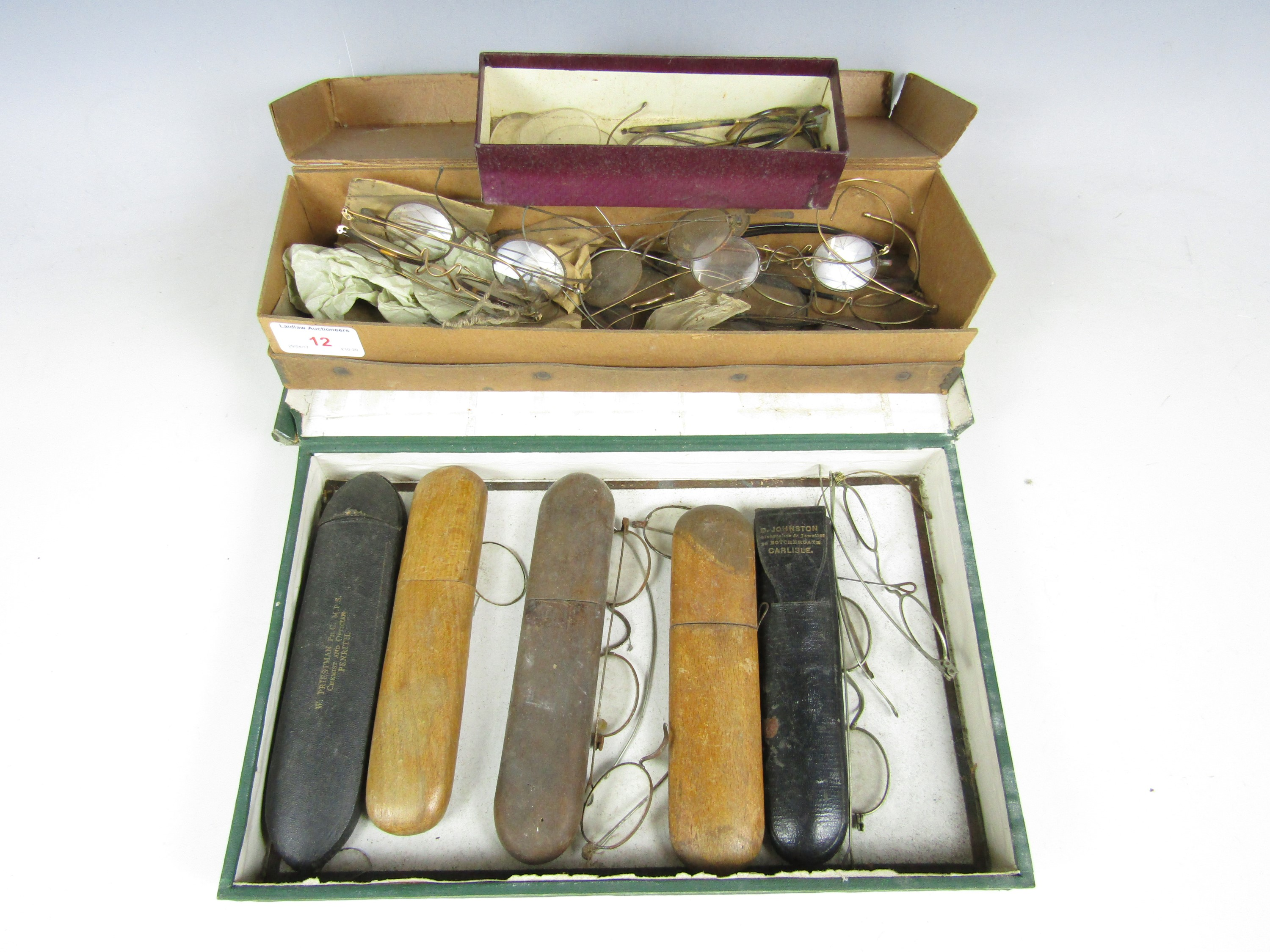 Lot 12 - Sundry vintage spectacles and cases