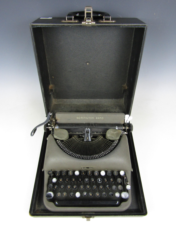 Lot 20 - A vintage Remington Rand typewriter and case