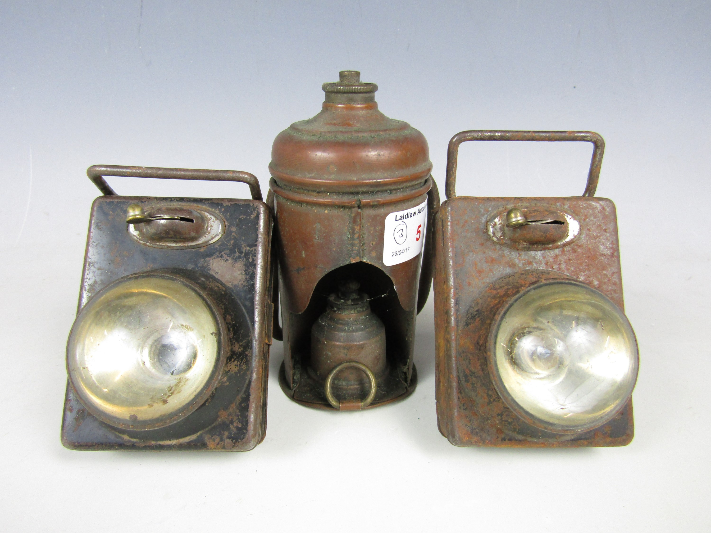 Lot 5 - Three vintage lamps