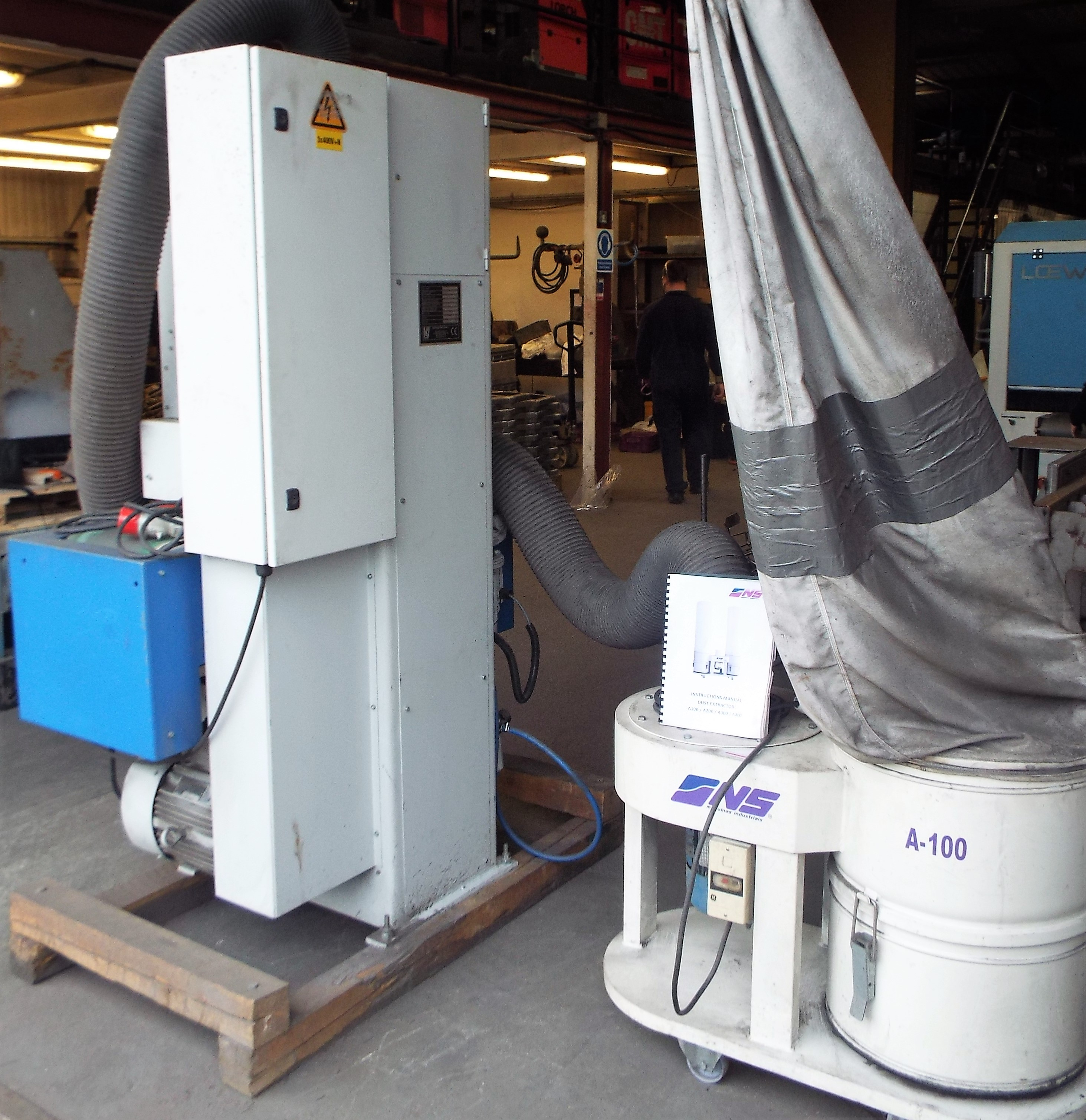 Lot 17 - Vangroenweghe T-300K Sheet Metal Linishing Unit & Dust Extraction System.