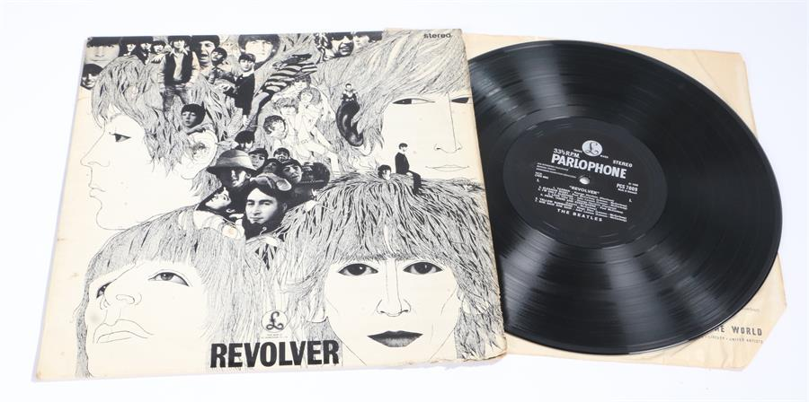 Lot 39 - The Beatles - Revolver LP (Danish) PCS 7009 Stereo.