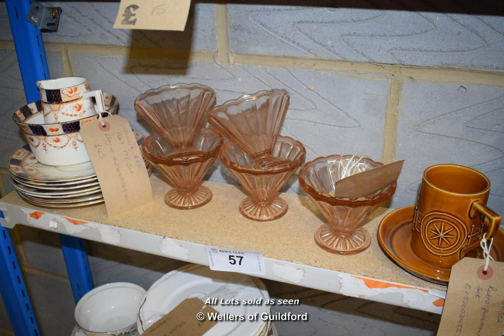 Lot 57 - *SHELF OF GLASSWARE, PORCELAIN WARE AND COLLECTABLES