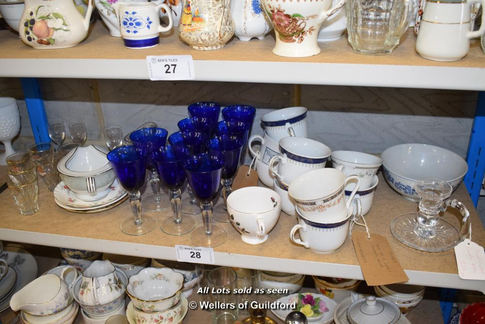 Lot 28 - *SHELF OF GLASSWARE, PORCELAIN WARE AND COLLECTABLES
