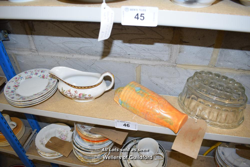 Lot 46 - *SHELF OF GLASSWARE, PORCELAIN WARE AND COLLECTABLES